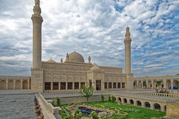 Zagadkowy Azerbejdżan zwiedzanie - co oferuje biuro podróży Logos Tour? Idealny pomysł na wakacyjny wyjazd