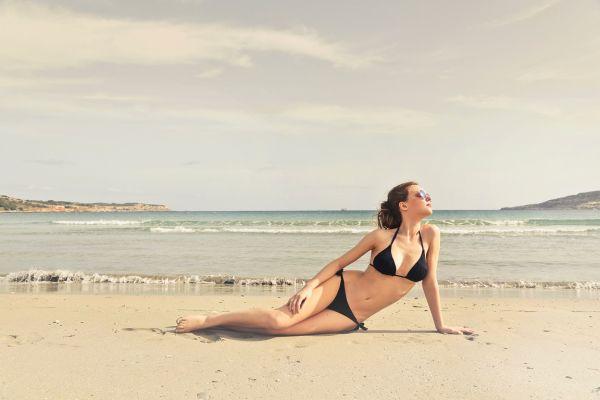 Zadbaj o siebie latem - krem z wysokim filtrem ważny w każdym wieku