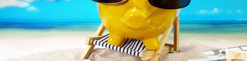 Planujesz wakacje? Sprawdź, gdzie taniej kupić walutę