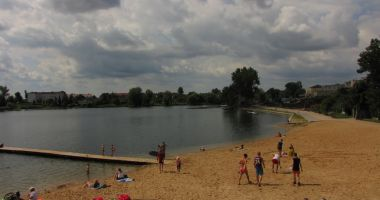 Plaża Miejska Ustronie w Chełmży nad Jeziorem Chełmżyńskim