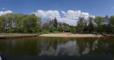 Plaża w Zalesiu nad Jeziorem Chełmżyńskim