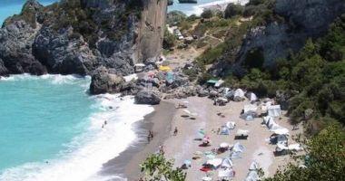 Chiliadou Beach, Steni, Grecja