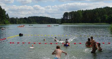 Plaża przy Obozie Korczakowo w Świniarach nad Jeziorem Grzybno