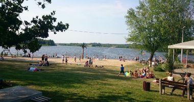 Plaża OSIR w Drzewicy nad Jeziorem Drzewickim