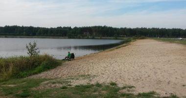 Plaża w Zakrzówku Szlacheckim nad Zalewem przy Warcie