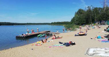 Plaża w Trębach Starych nad Jeziorem Budzisławskim