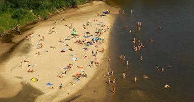 Plaża naturystów na Wale Miedzieszyńskim w Warszawie nad Wisłą