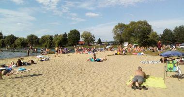 Plaża przy OW GOK Brzeziny nad Zalewem w Brzezinach
