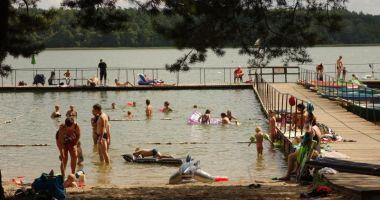 Plaża przy OST Stanica Wodna w Cierzpiętach nad Jeziorem Mokrym
