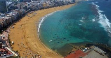 Plaża Las Canteras w Las Palmas na wyspie Gran Canaria na Oceanie Atlantyckim