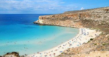 Plaża Królików na Wyspie Lampedusa na Morzu Śródziemnym