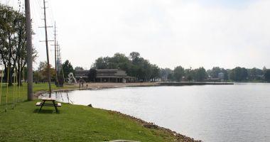 Plaża w Warsaw nad Center Lake