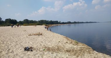 Plaża na Wyspach Świderskich w Ciszycy nad Wisłą