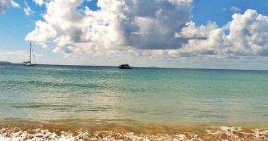 Playa Rompe Olas, Aguadilla,