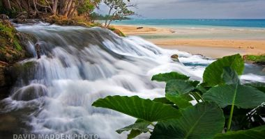 Laughing Waters Beach na Jamajce nad Morzem Karaibskim