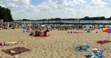 Plaża Wojskowa przy WDW Żagiel w Borównie nad Jeziorem Borówno