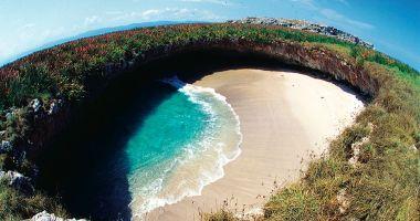 Ukryta Plaża Miłości na Wyspach Marietas na Oceanie Spokojnym