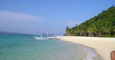 Yapak Beach (Puka Shell Beach), Filipiny