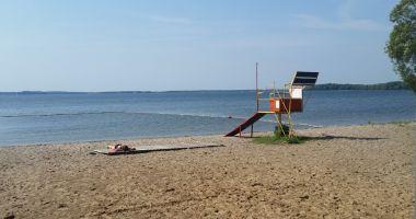 Plaża w Pieczarkach nad Jeziorem Dargin
