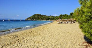 Plaża Szyszek w Koukonaries na Wyspie Skiatos nad Morzem Egejskim
