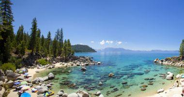 Plaża Secret Cove nad Jeziorem Tahoe
