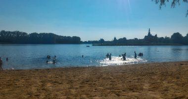 Plaża Legia w Chełmży nad Jeziorem Chełmżyńskim