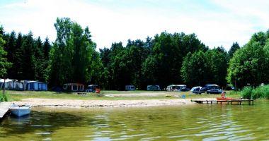 Plaża przy Bindudze Młyńskiej w Karwiku nad Jeziorem Seksty