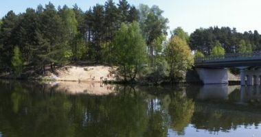 Plaża przy Moście w Tuszynach nad Jeziorem Koronowskim