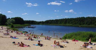 Plaża w Pieckach nad Jeziorem Piecki