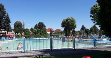 Miejski basen odkryty w Oleśnie
