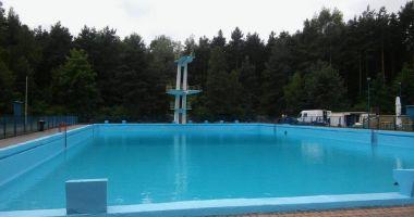 Basen kąpielowy w Wolbromiu