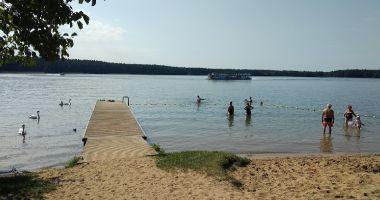 Plaża przy Domkach Leśnik 3 w Augustowie nad Jeziorem Białym Augustowskim