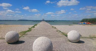 Plaża w Wierzbnie nad Jeziorem Miedwie