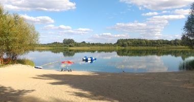 Plaża przy Ośrodku Sun Sport w Mrówkach nad Jeziorem Wilczyńskim