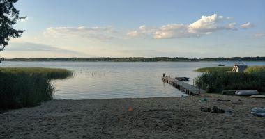 Plaża przy Yacht Club Apartament Słoneczna w Radzyniu nad Jeziorem Sławskim