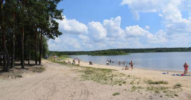 Plaża w Mierzynie nad Zalewem Cieszanowickim
