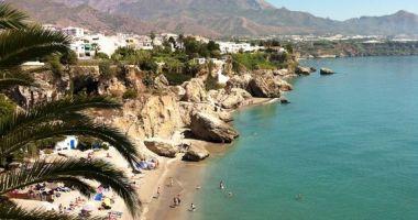 Papagayo Beach, Nerja, Hiszpania